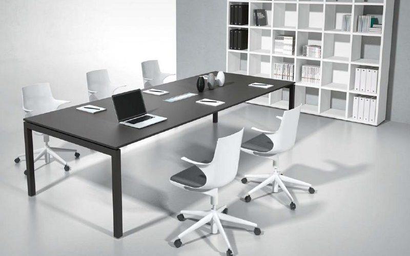 tavolo-ufficio-riunione_